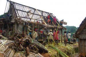 Building the Trano-be, Madagascar